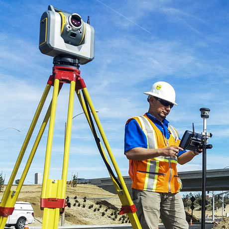 Surveyor performing 3D scan